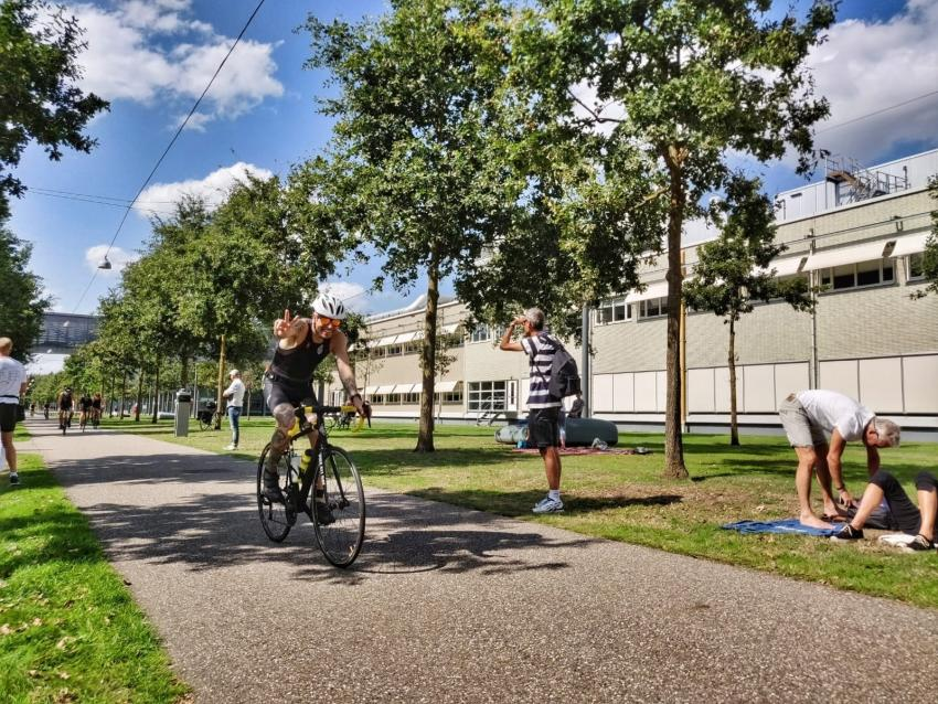 Fietser op High Tech Campus